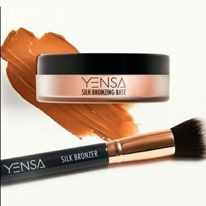Yensa Silk Bronzing Duo Bronzer and Brush